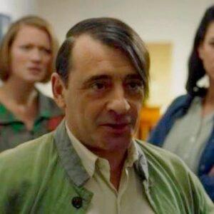 10- Toni Zenet interpreta a Picasso en 'El Ministerio del Tiempo' (RTVE, 2020)