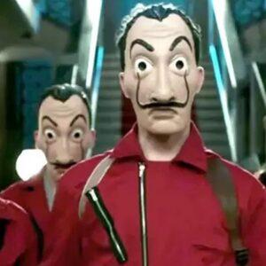 15- La emblemática máscara de Dalí de los atracadores de 'La casa de papel' (Netflix, 2017)